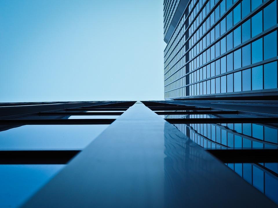 Cómo generar leads en el sector industrial: estrategias para acelerar la decisión de compra